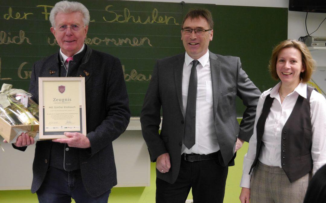 Tür auf – MdL Günther Knoblauch unterrichtet an der Privaten Wirtschaftsschule Gester